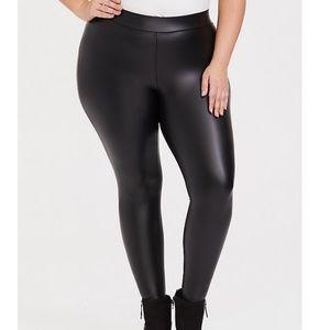 🆕 Torrid NWT Faux Leather Leggings